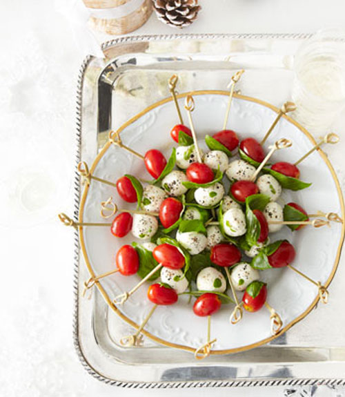 55091562725f4-tomato-mozzarella-bites-recipe-ghk1212-xln